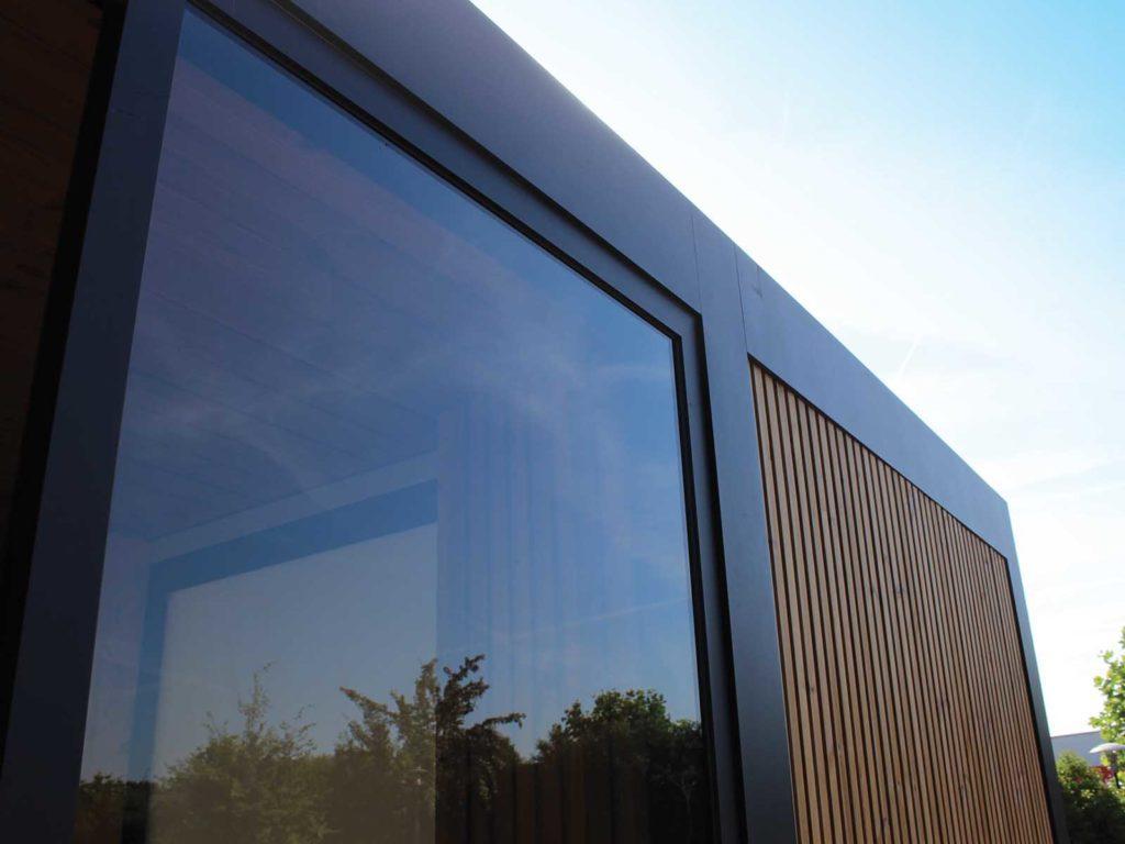 pergola toit fixe parois en verre
